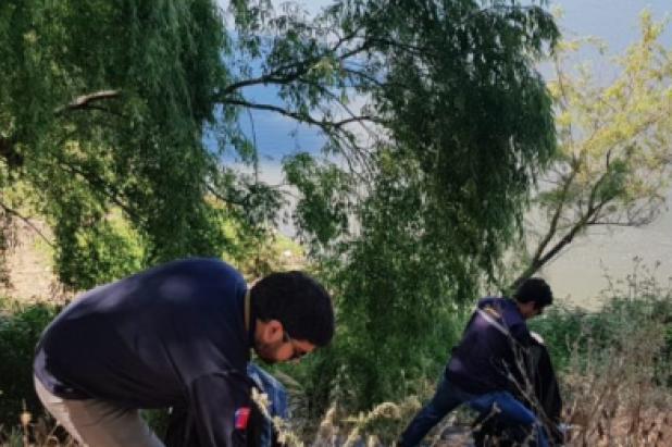 Limpian desechos de ribera de Río Loncomilla