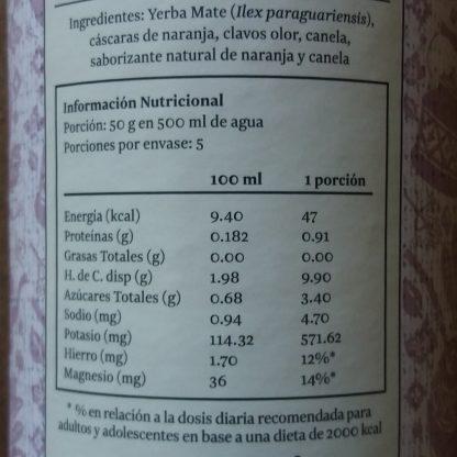 Tabla nutricional de la Yerba navega'o: Porción 50gr en 500ml de agua. Porciones por envase: 5. Cada porción contiene 47 kcal, 0.91g de proteínas, 0,0 de grasas, 9,9g de HdC, 3,4g de azúcares totales, 4,7mg de sodio, 571,62mg de potasio,12% del hierro y 14% del magnesio que requiere un adulto o adolescente en base a una dieta de 2000 kcal