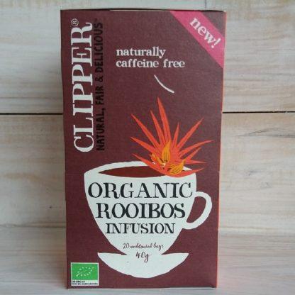 Caja de Rooibos Clipper de cartón rojo. COn logo de orgánico, y dice que contiene 20 bolsitas, 40 grs.
